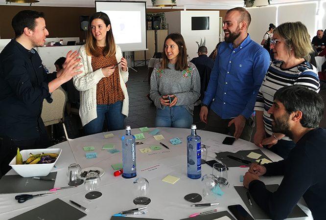 trabajo en equipo con Designthinking.gal